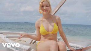 【画像】この水着の女の子はイケる?