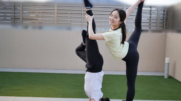 【画像】本田真凜、姉妹でおま◯こぱっくり大開脚を披露