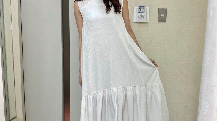 【画像】白い服って透けるのになんで着るのかな