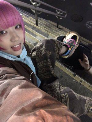 【画像】日本で女漁って路上で踏まれてる外人wwww