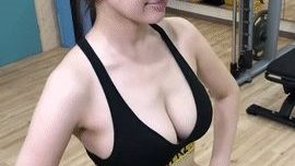【画像】巨乳OLトレーニング中いちいちおっぱいを揺らしてドヤ顔