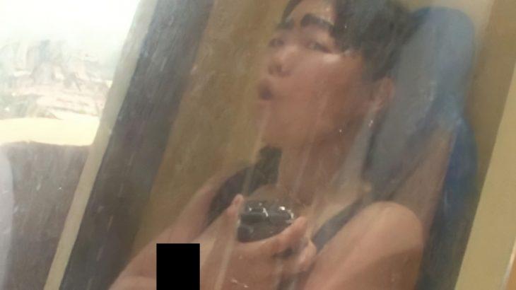 この画像イモトの乳首見えてないか?