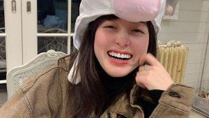 【緊急画像】橋本環奈さんの正月ツイートに環奈専用爆乳ブラジャーが映り込んでると話題に!!!ぽまいらふぃそげ!!